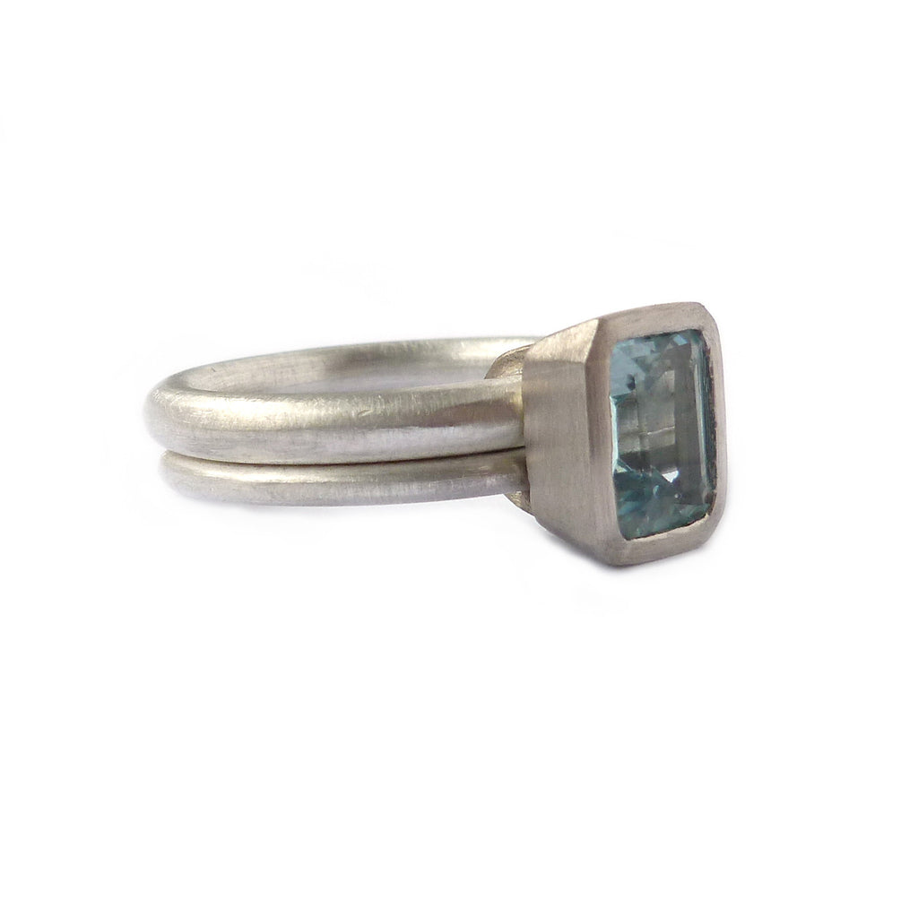 SOLD: Silver, 18k White Gold and Aquamarine Ring (OF09) - Sue Lane Contemporary Jewellery - 4