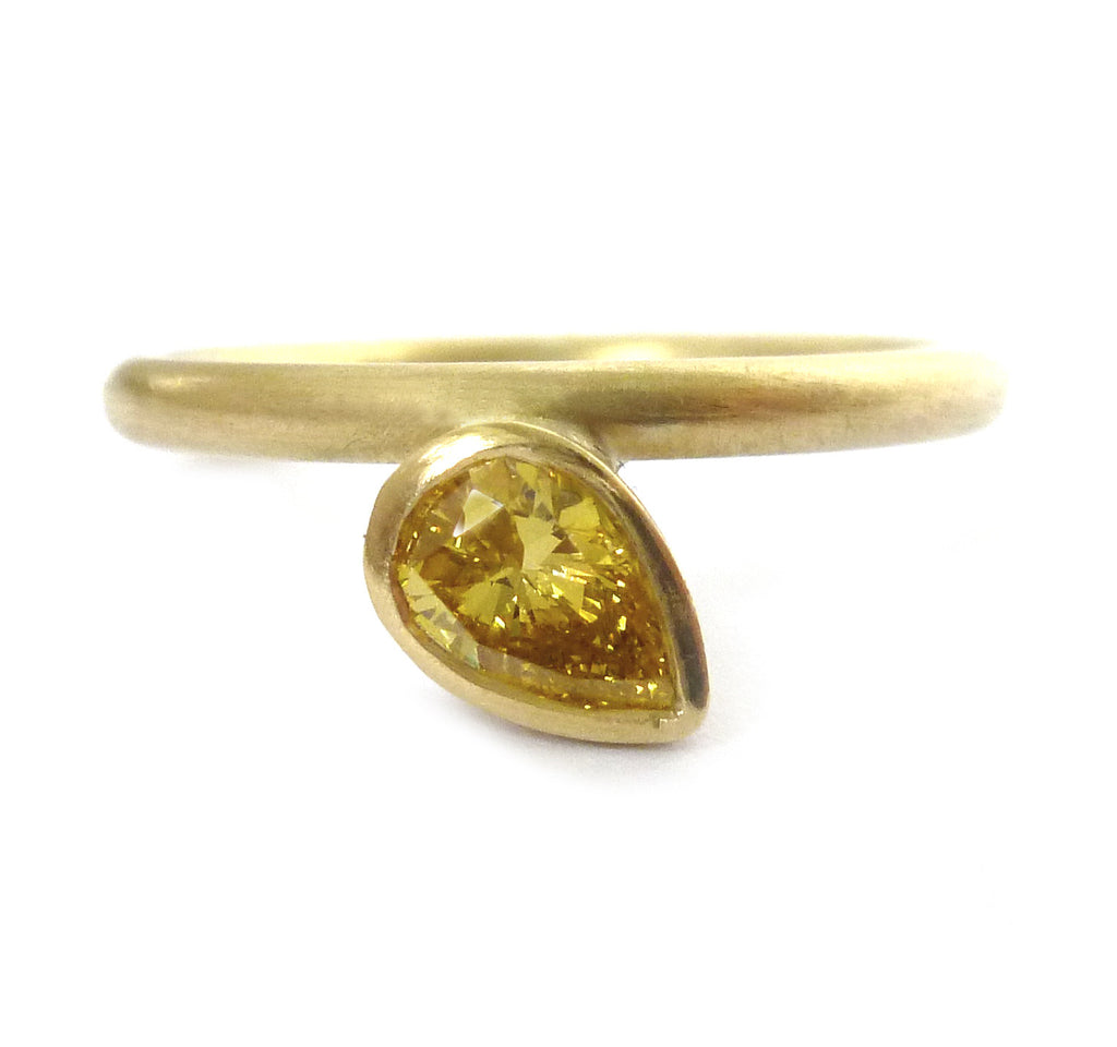 18k Gold and Yellow Sapphire Ring (nrg12) - Sue Lane Contemporary Jewellery - 1