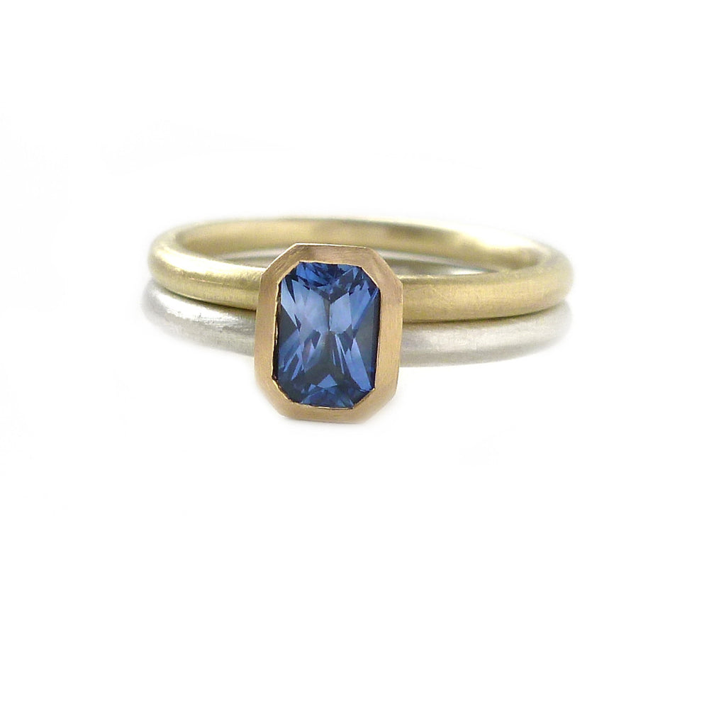 SOLD: 18k Gold and Sapphire Ring (OF13) - Sue Lane Contemporary Jewellery - 3