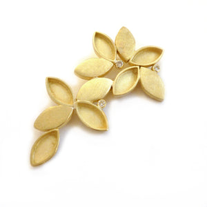 18ct Gold and Three Diamond Brooch