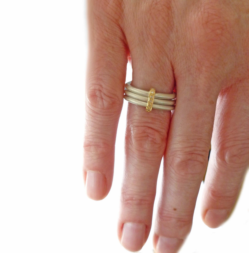 Silver, 18k gold ring with 7 diamonds (rdm3) - Sue Lane Contemporary Jewellery - 3