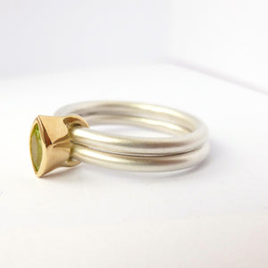 Silver, 18ct gold and peridot ring