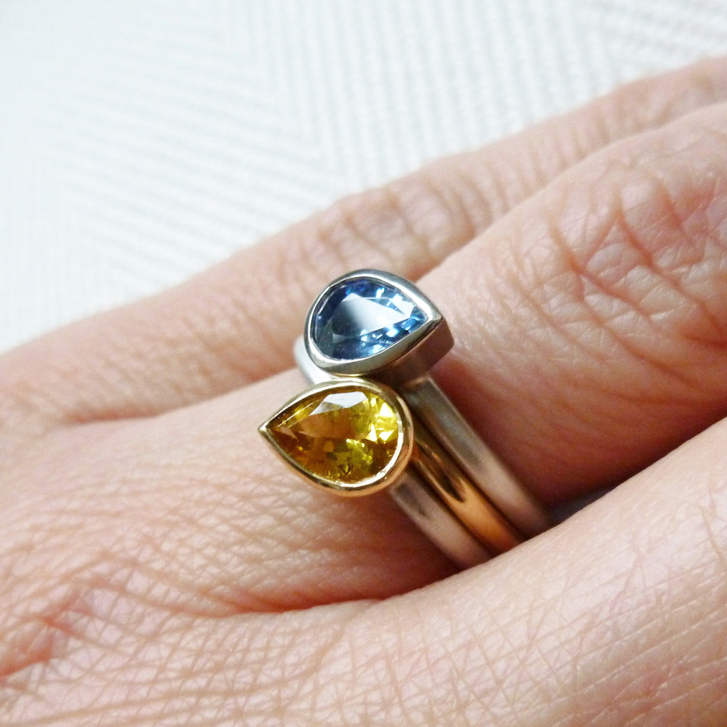 Silver, 18k gold and cornflower blue sapphire ring (nr15)