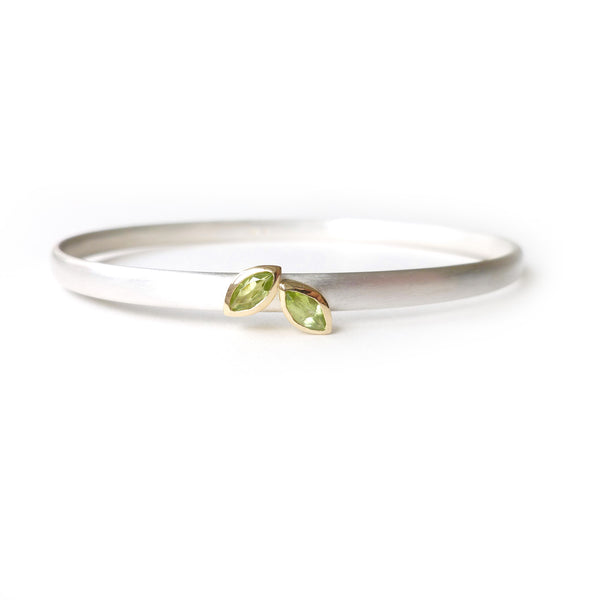 modern peridot bangle by designer and maker Sue Lane