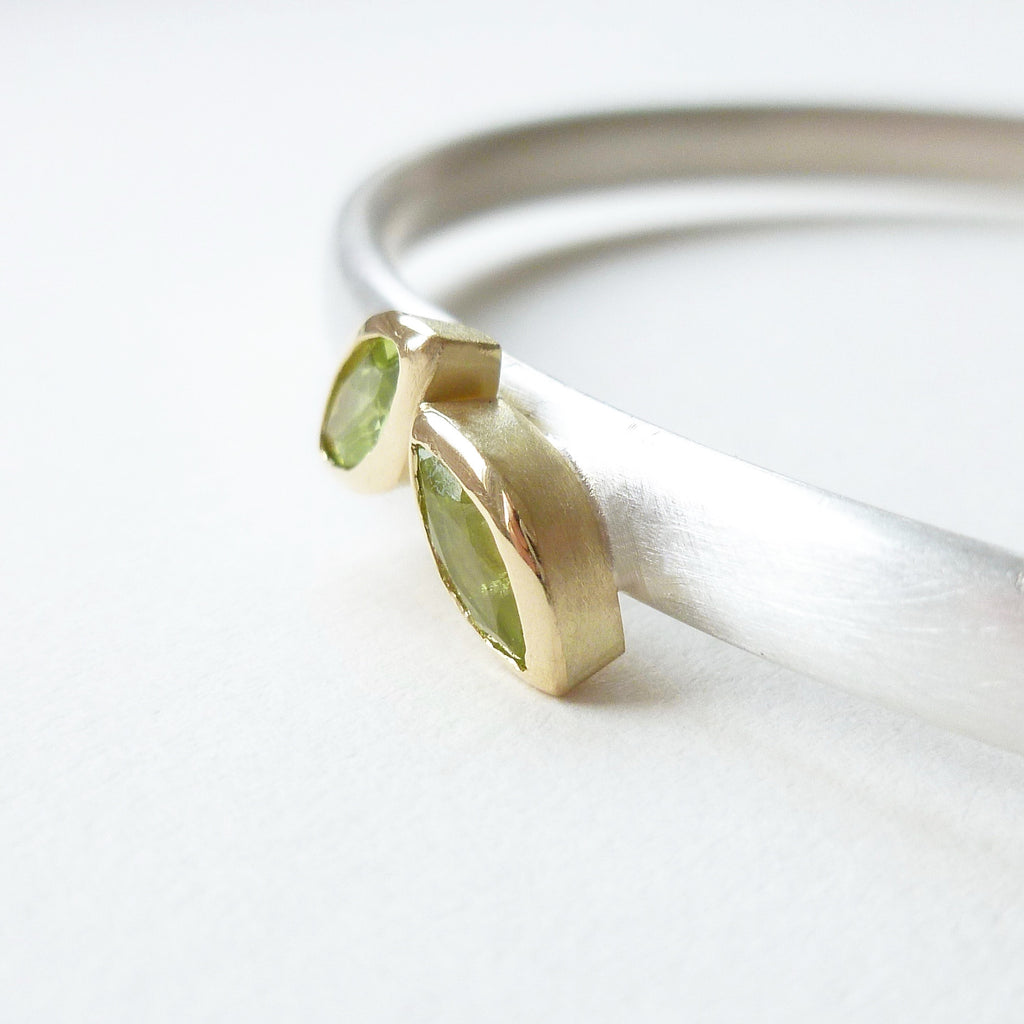 2 leaf shape marquise peridot bangle