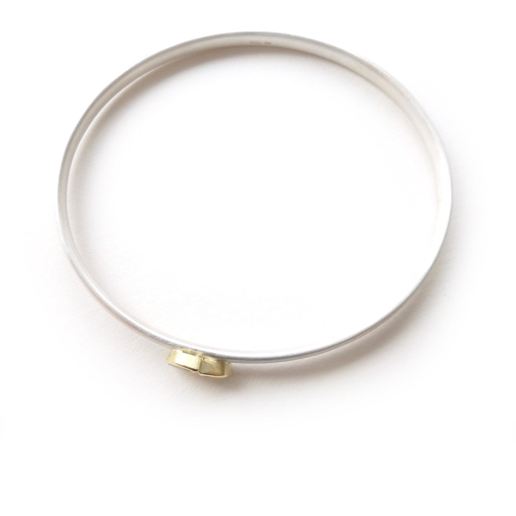 Silver, Gold and Peridot Bangle (ban6)