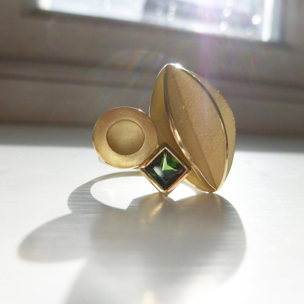 18k Gold and Green Tourmaline Ring (OF56)