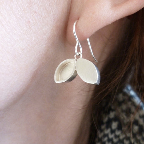 Silver hook earrings (e16s)