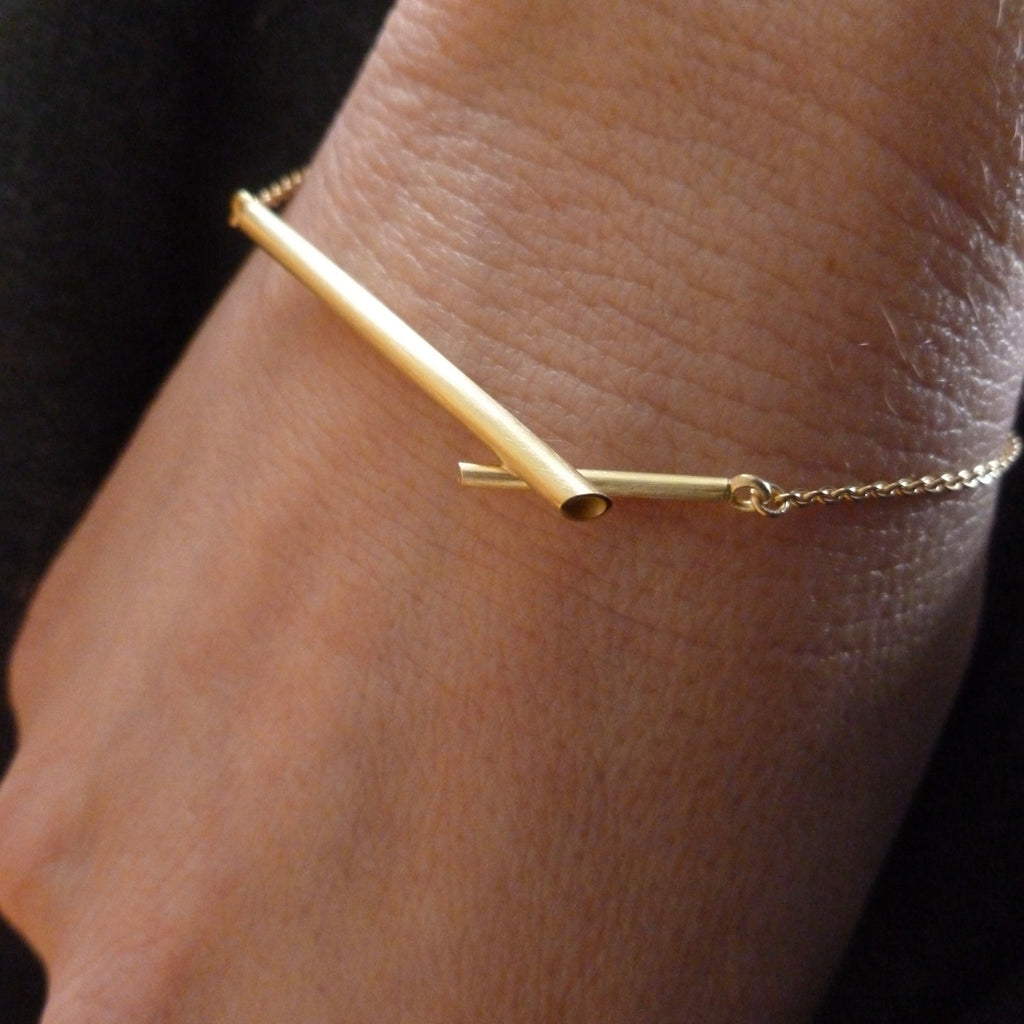 handmade modern gold bracelet with adjustable length
