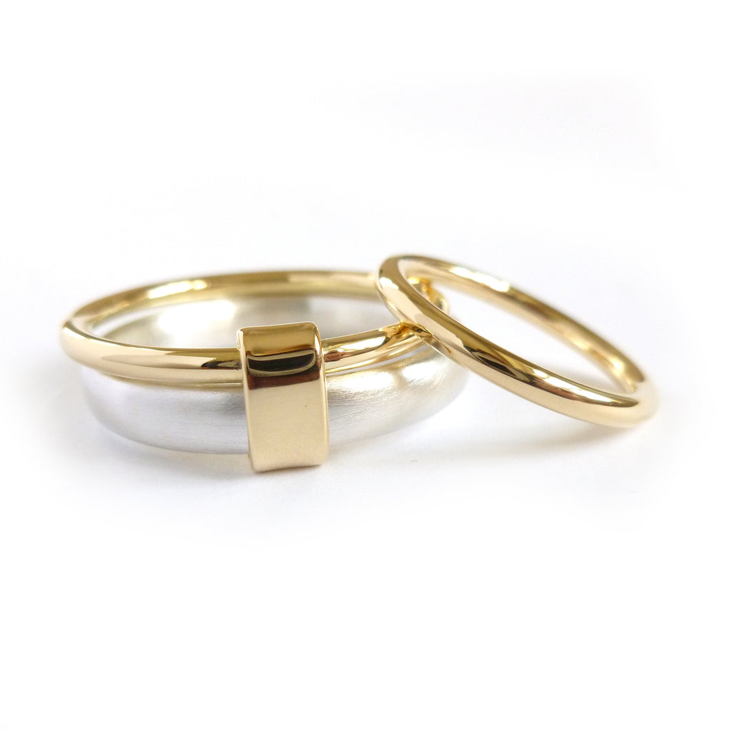 a modern set of 2 colour wedding rings for an alternative bride
