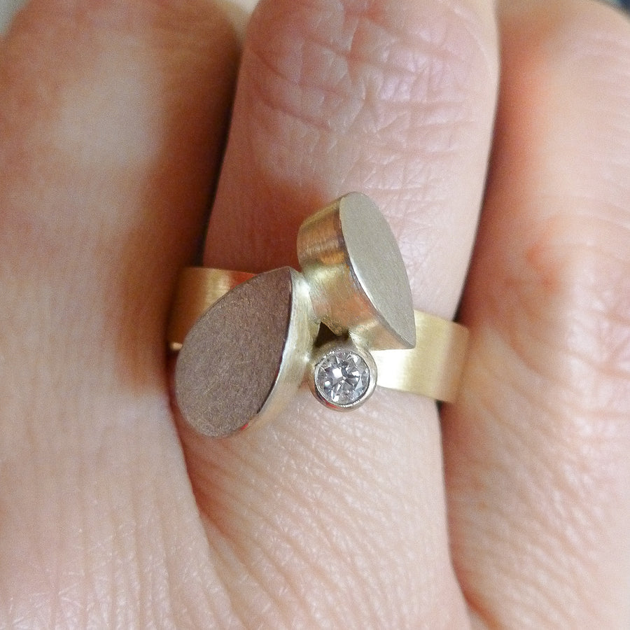 A stunning alternative 18ct gold diamond ring. Bespoke and Unique.