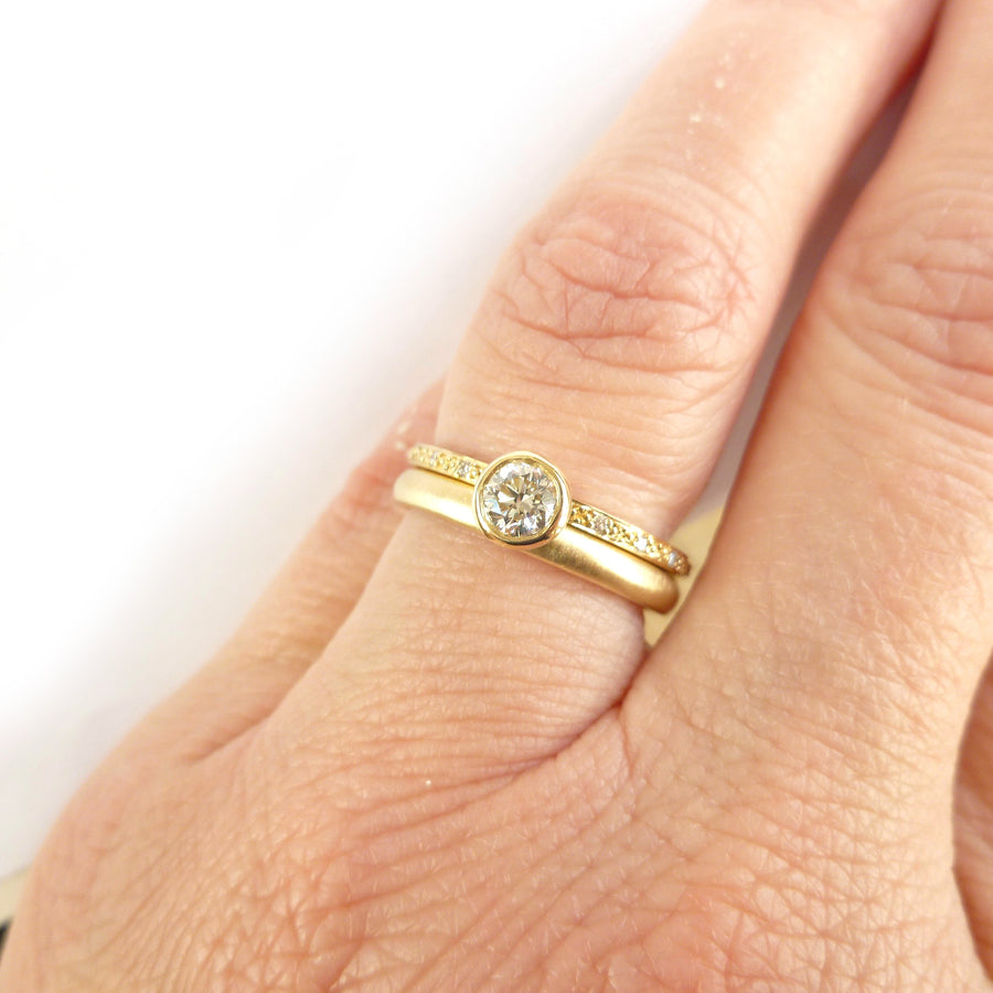 18ct gold and diamond two band ring