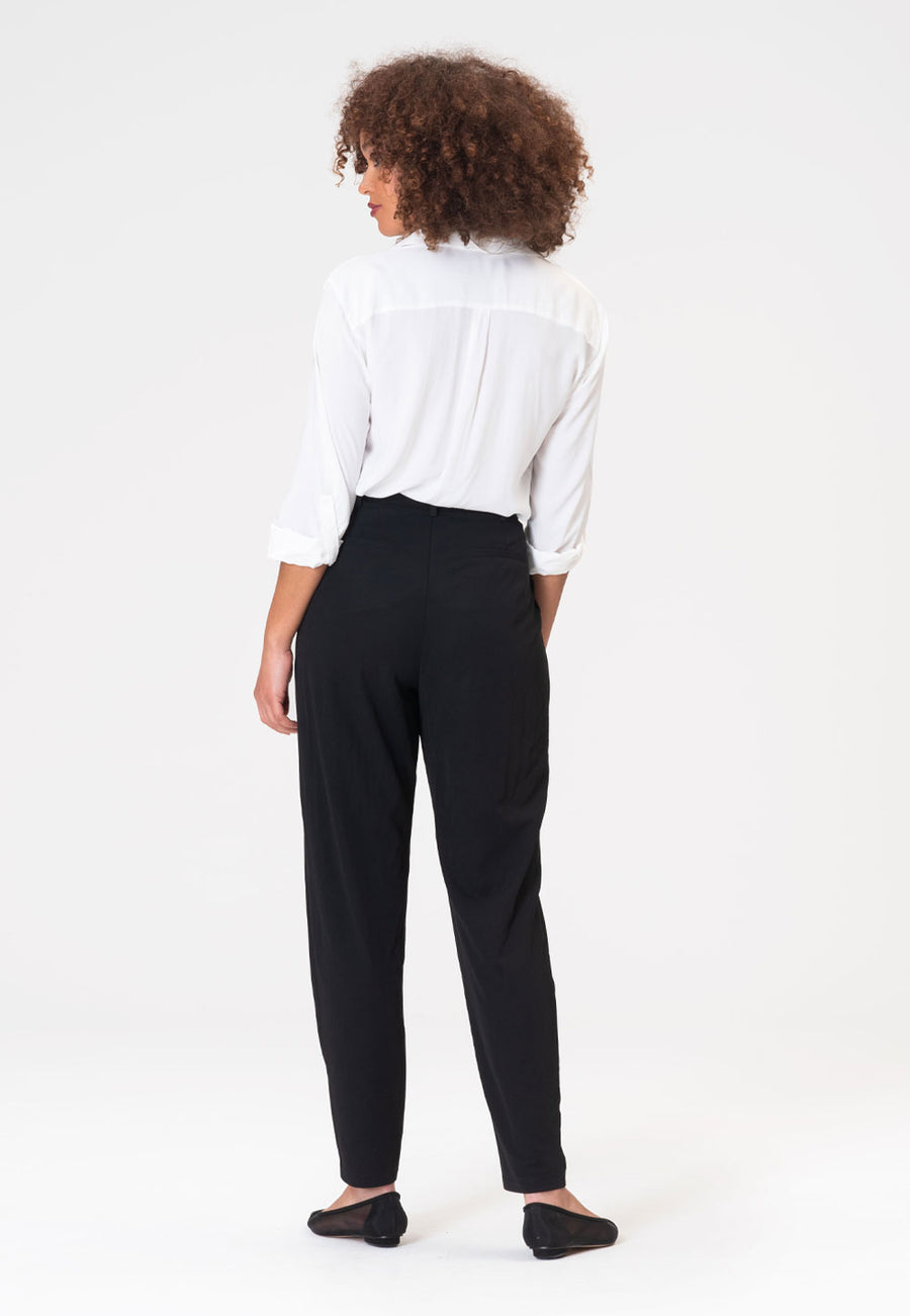 Tara Pant in Moss Crepe Black