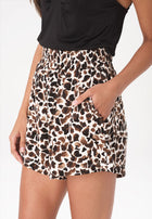 Avery Shorts in Giraffe