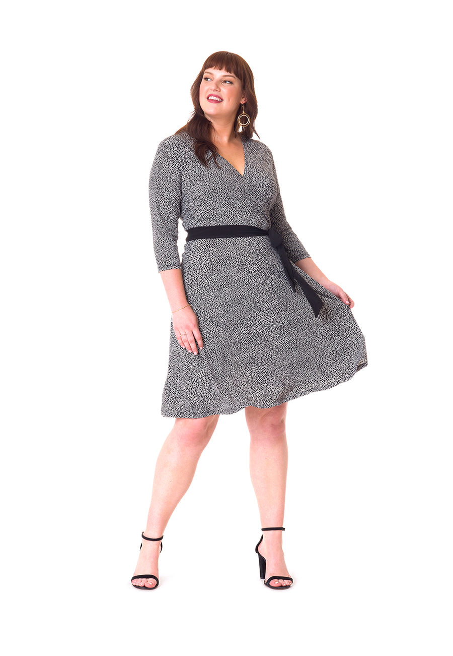 Perfect Wrap Dress  in Pebble Black (Curve)