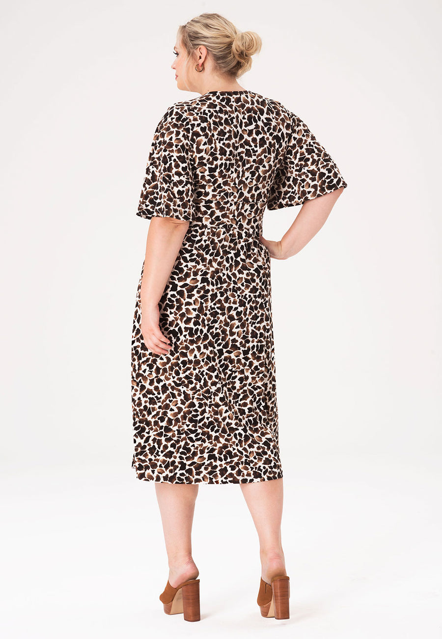 Zoe Dress in Giraffe (Curve)