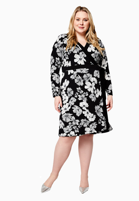 Leota Kara Dress in Field Floral Black Curve