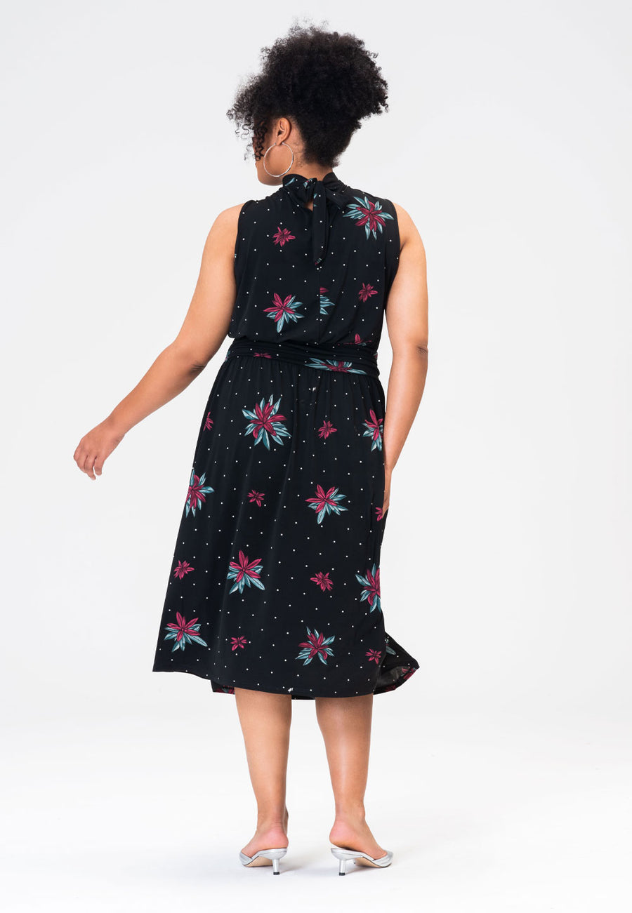 Aria Dress in Wild Lily (Curve)