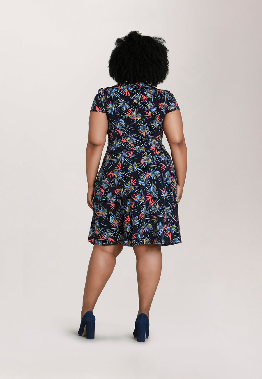 Sweetheart Dress in Agave (Curve)