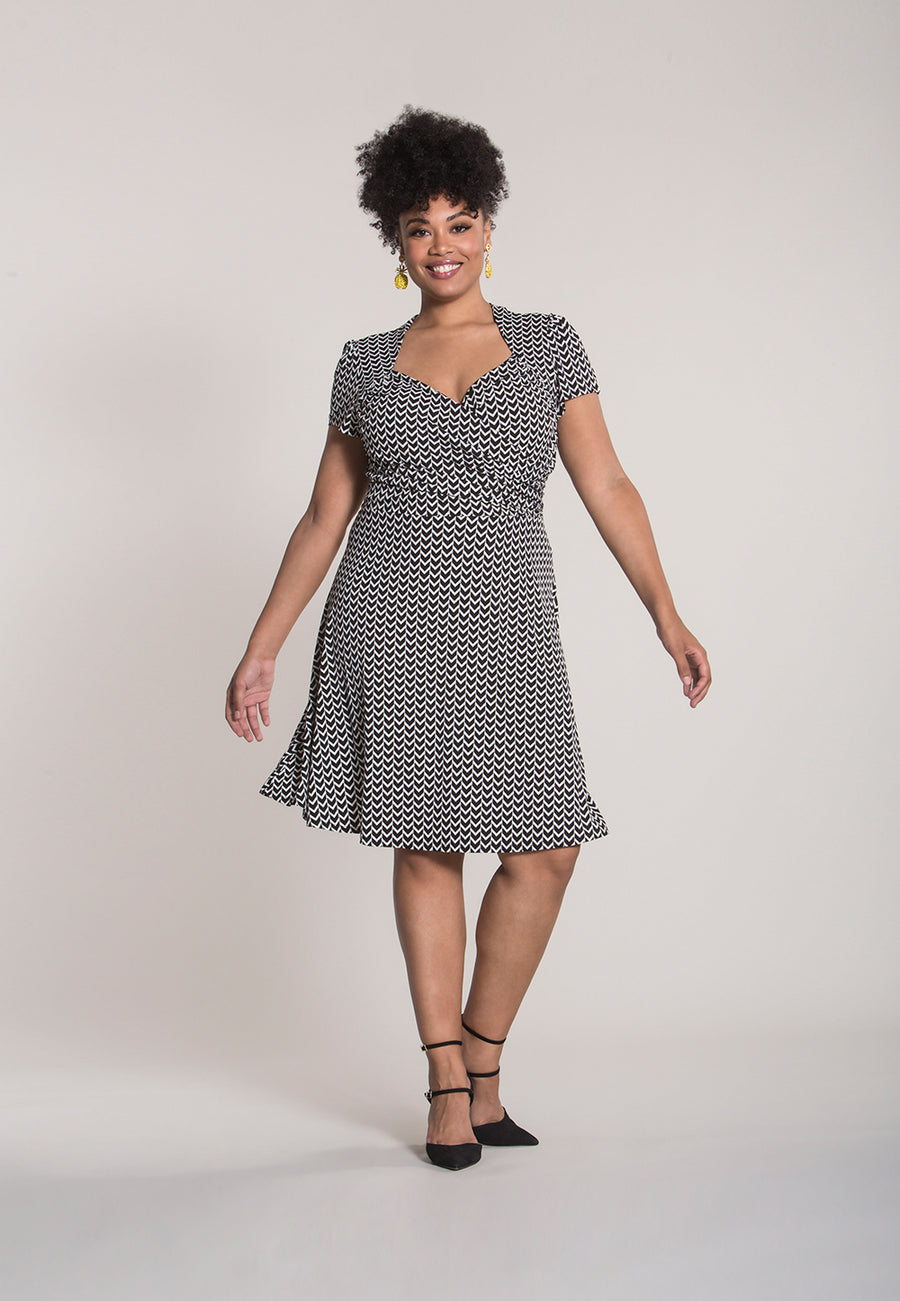 Sweetheart A-Line Dress in Herringbone Black (Curve)