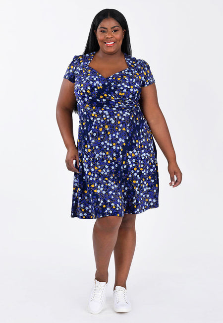 Sweetheart Flutter Sleeve Dress in Woodberry (Curve)