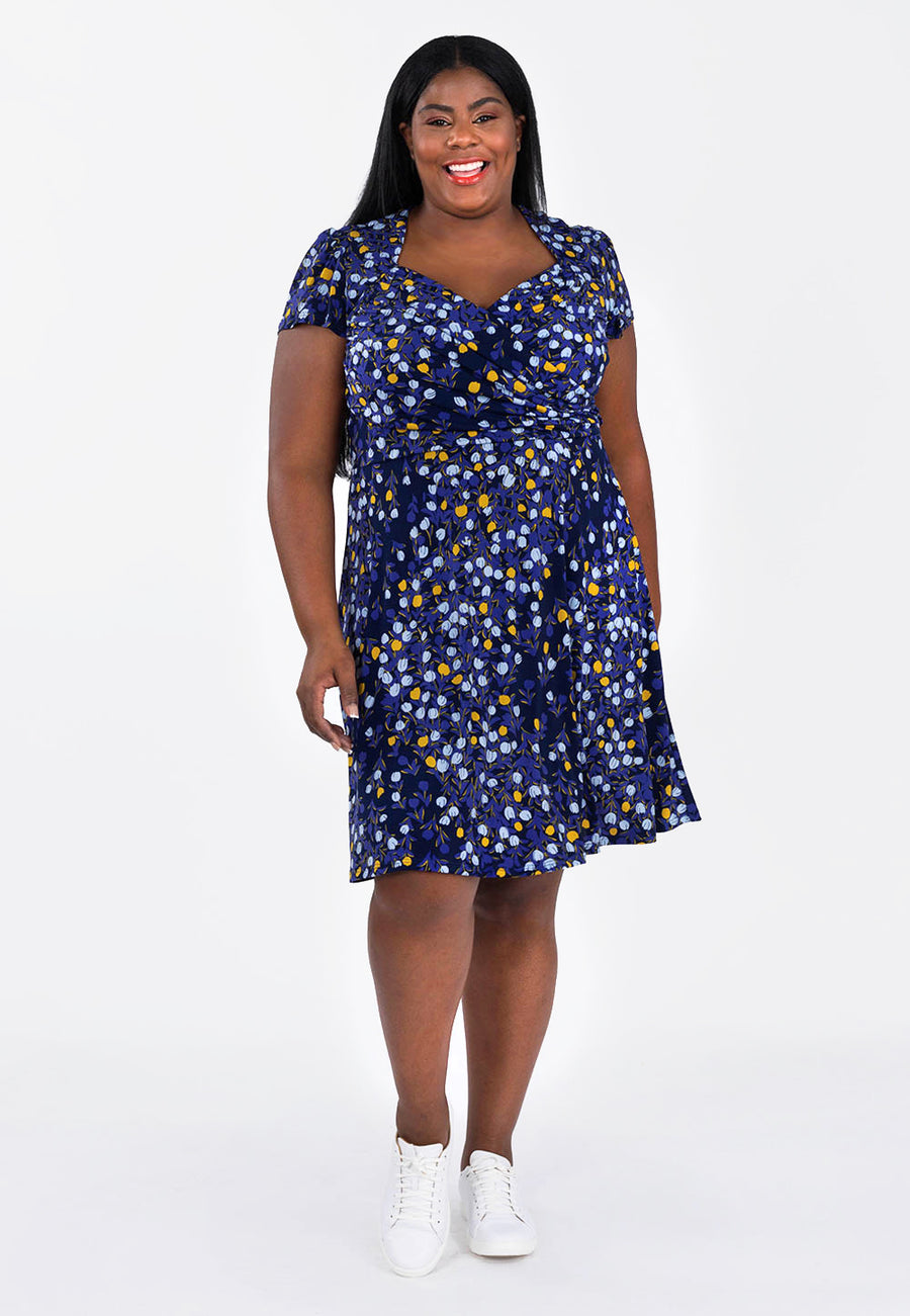 Sweetheart Flutter Sleeve Dress in Woodberry (Curve) image 2