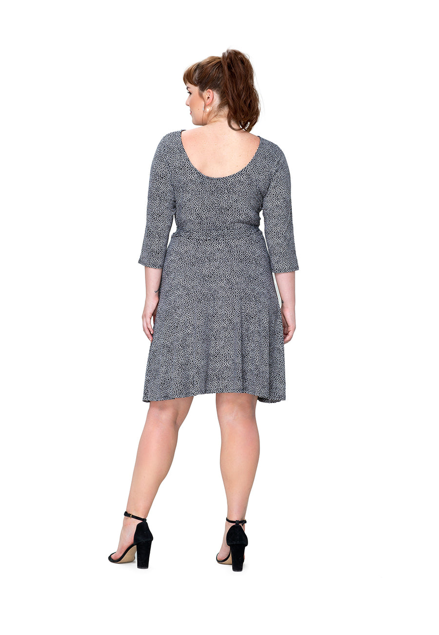 Ilana Dress in Pebble (Curve)