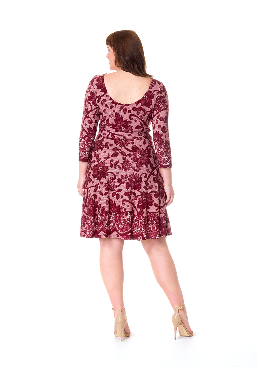 Ilana Dress in Venetian Lace (Curve)