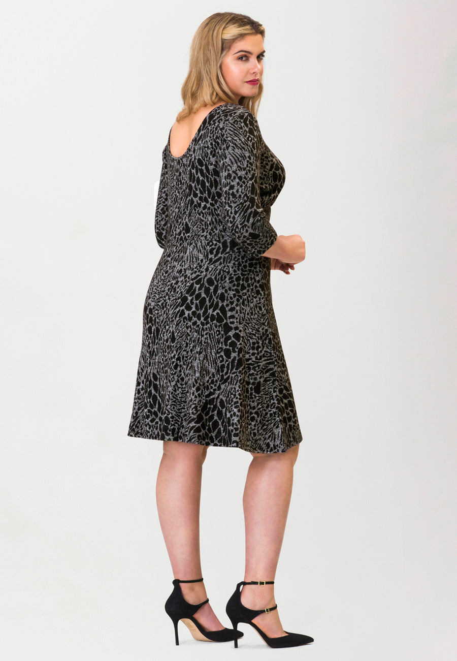 Circle Dress with 3/4 Sleeve in Ocelot Grey (Curve)