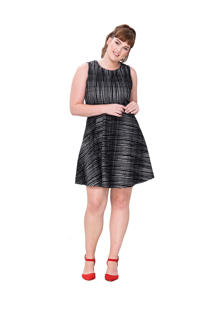 Ava Dress in Black and White Texture (Curve)