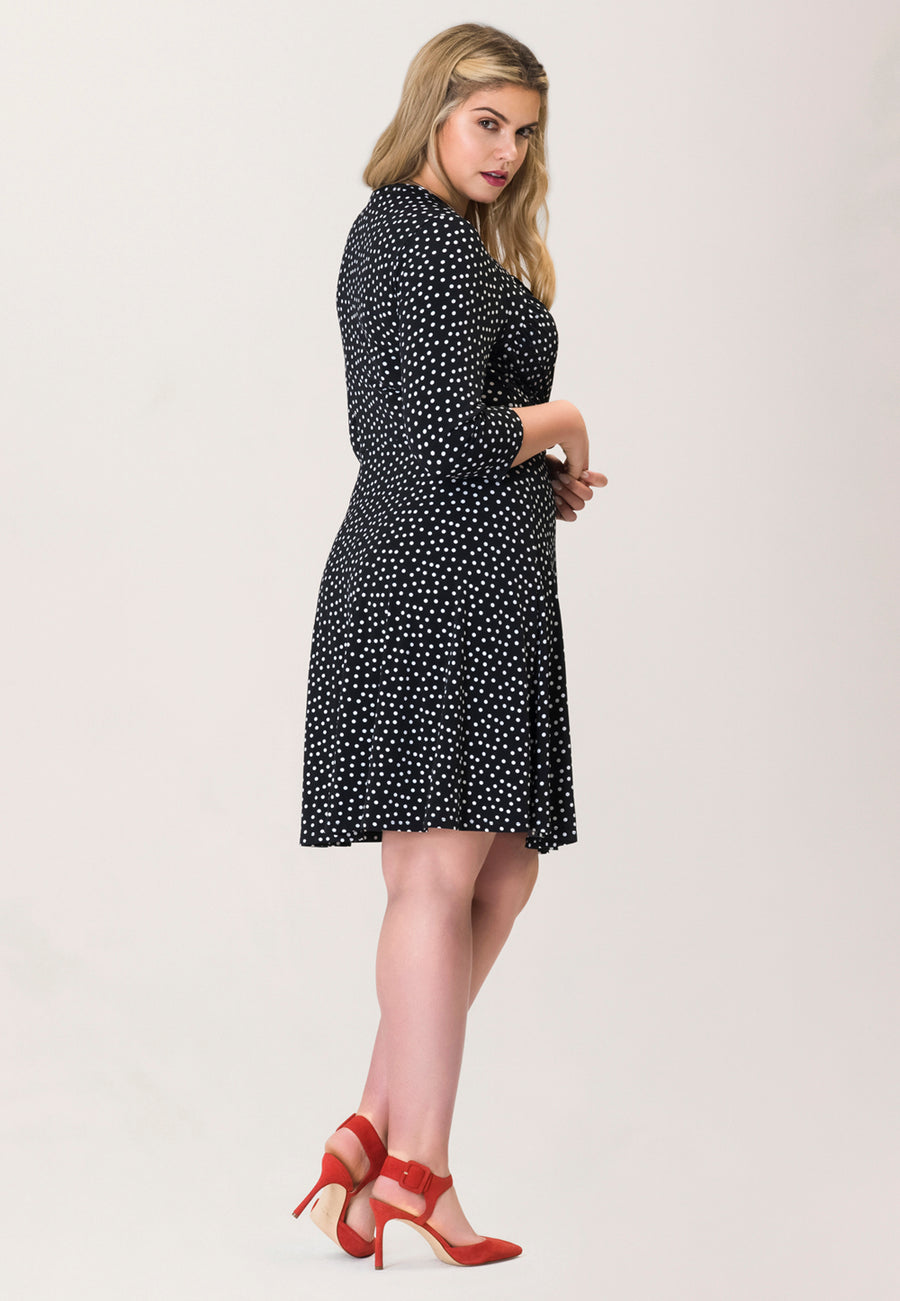 Sweetheart Wrap Dress in Marshmallow Confetti Dot White (Curve)