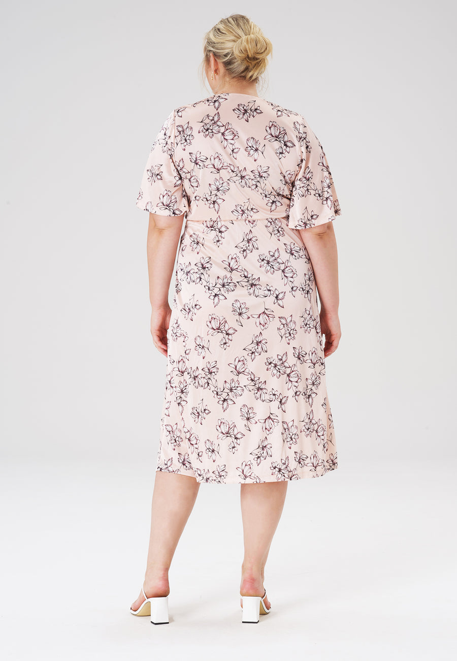 Lily Dress in Blossoms Pale Peach (Curve)