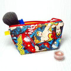Busy Bee Bag - Zippered Pouch - Medium Bag - Wonder Woman