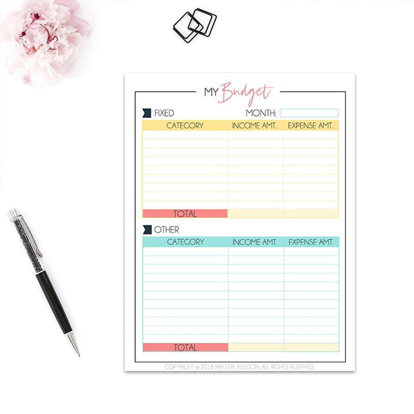 Take control of your finances with this Personal Finance Planner. Including budgeting sheets, money mindset pages and everything you can think of to keep your personal finances in order. #budgeting #budgetingplanner #budgetplanner #budgetingprinable #printable