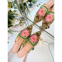 Load image into Gallery viewer, Alberta Ferretti Shoes Flowers