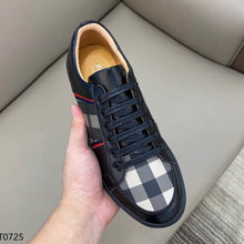 Load image into Gallery viewer, Burbber Sneakers Black
