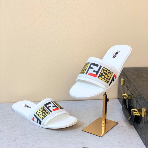 Fen Slippers White