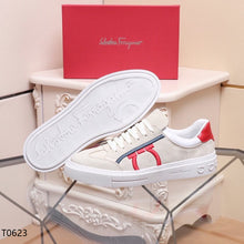 Load image into Gallery viewer, Ferragamo Sneakers White