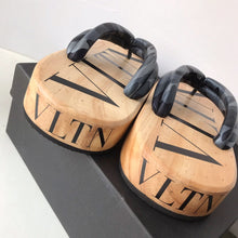 Load image into Gallery viewer, Valentino Slippers VLTN