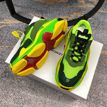 Load image into Gallery viewer, Balenciaga Triple S Green Y