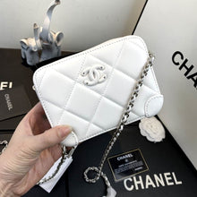 Load image into Gallery viewer, CHL Bag Soho White