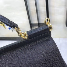 Load image into Gallery viewer, D&G  Leather Kualie Bag