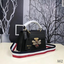 Load image into Gallery viewer, G Ophida Leather Bag Bee 2 Colors