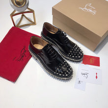 Load image into Gallery viewer, Louboutin Shoes Black Studs