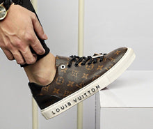Load image into Gallery viewer, L Leather Sneakers Brown Monogram
