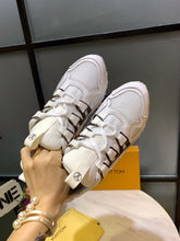 Load image into Gallery viewer, L Digital Leather Sneakers 2 Colors