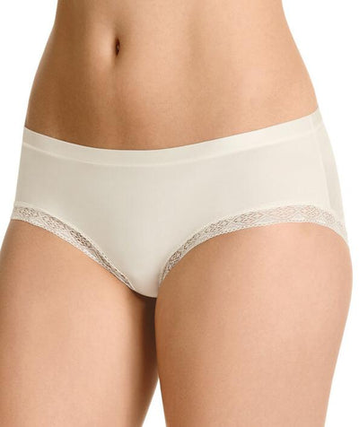 Berlei Barely There  Luxe Boyleg - Ivory