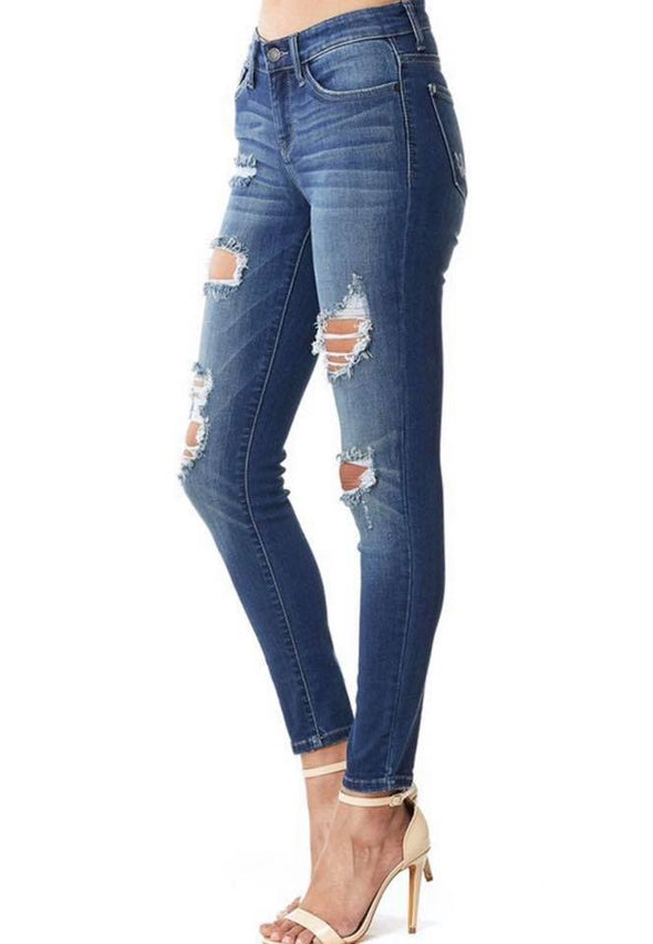 Judy Blue distressed skinny jean-  Mid rise inseam: 29 Rise: 9