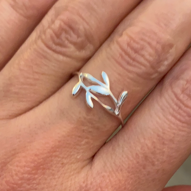 Sterling Silver Dainty Vine Ring