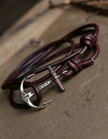 Anchor bracelet with leather strap